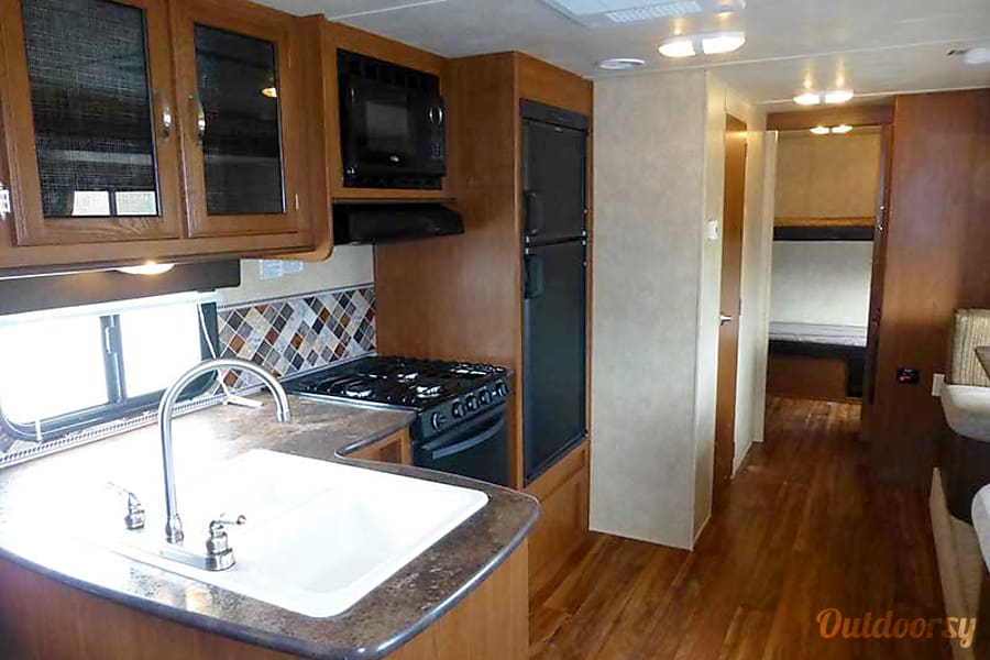 27' Wildwood Travel Trailer w/Bunk Beds/Slide-Out (T15) San Marcos, CA