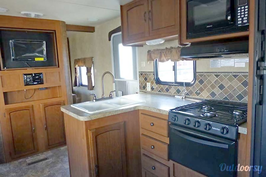 27' Wildwood Travel Trailer w/Bunk Beds/Slide-Out (T2) San Marcos, CA