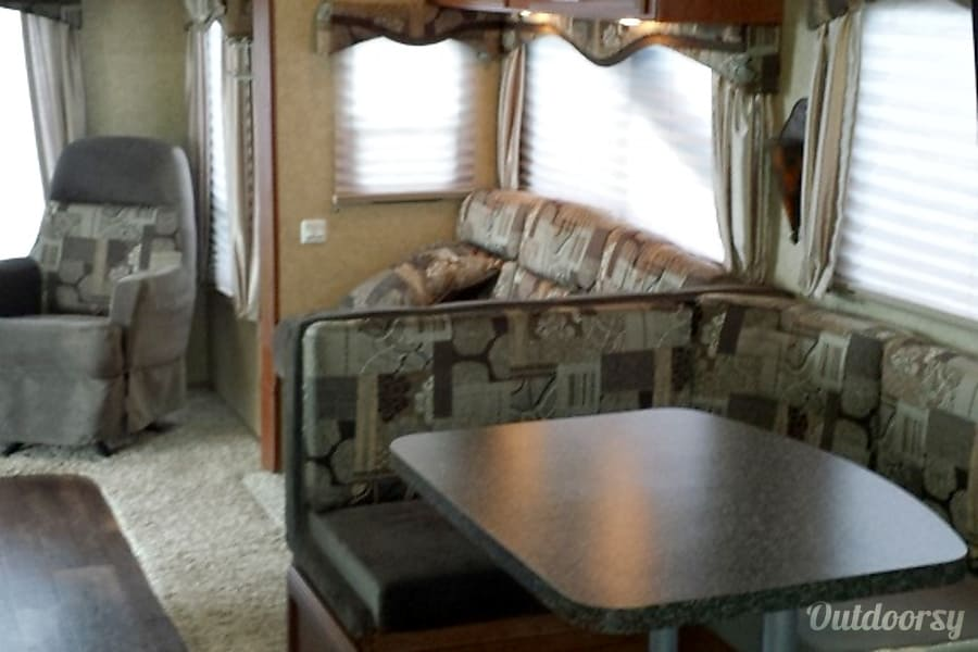 27'  Pacific Coach Evolution Phoenix, AZ