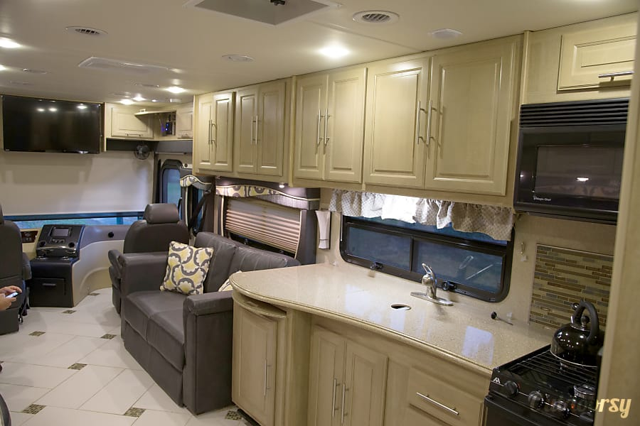 interior 2014 Coachmen Sportscoach Cross Country - Triple Bunk Perfect for Family. Orlando, FL