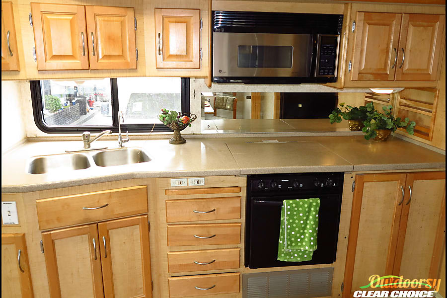 interior Rent our nice low milage 2003 36 foot RV for your next trip! Loveland , CO