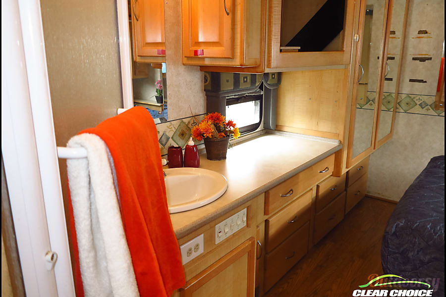 Rent our nice low milage 2003 36 foot RV for your next trip! Loveland, CO