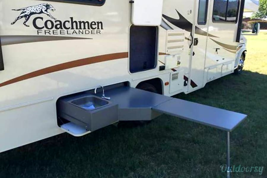 2016 Coachmen Freelander 29KS San Jose, CA