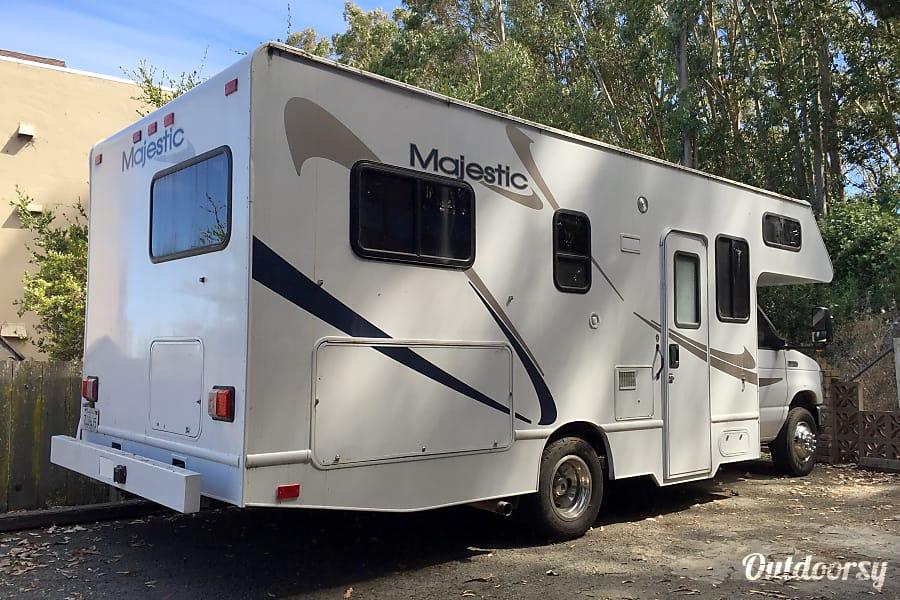 Madge 25-Foot Class C Motorhome Sonoma, CA