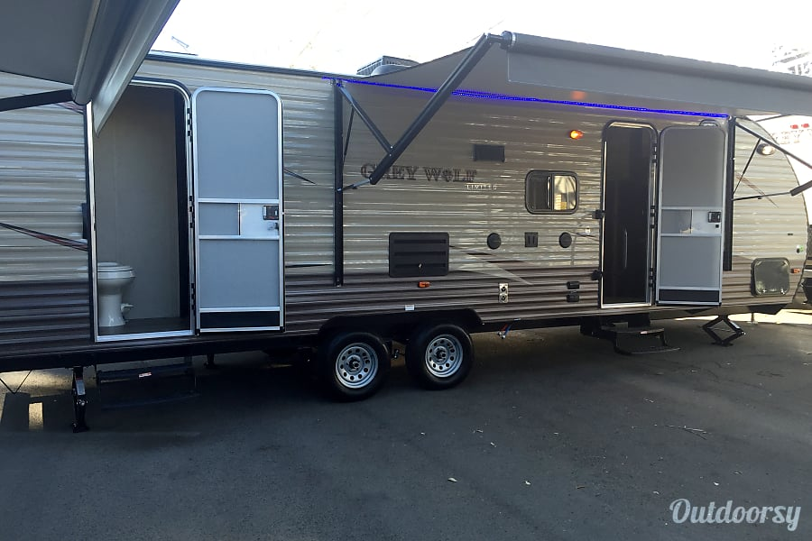 2017 Cherokee Grey Wolf Bhd Trailer Rental In Sacramento