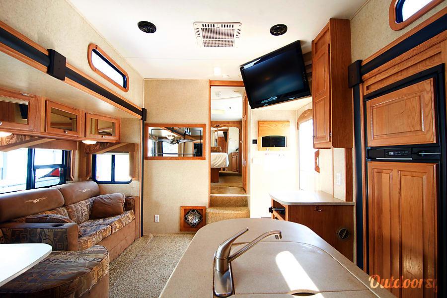 Base Camp Bunkhouse - Delivery & Custom Set Up! Brevard, NC