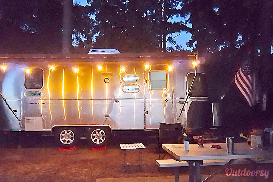 exterior 23 ' Airstream Flying Cloud-2014 Irving, TX