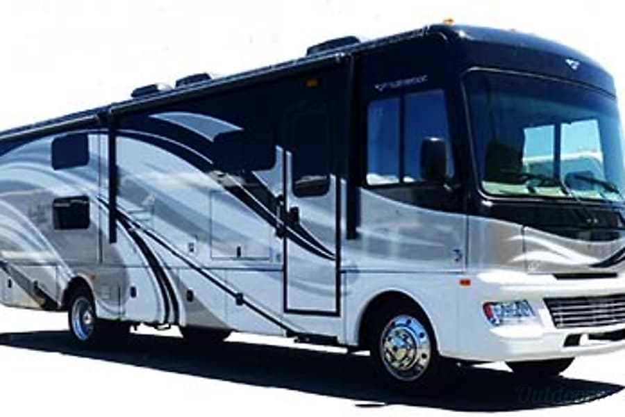 exterior 34' Fleetwood Bounder with 3 Slide-Outs (51) San Marcos, CA