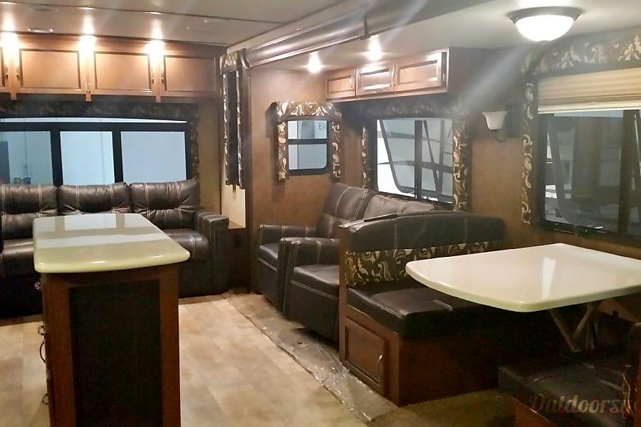 2015 Trident Skyline 326RL Parker, CO