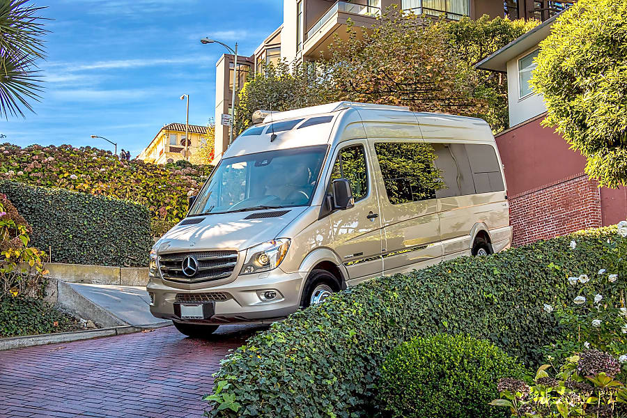 2016 Mercedes Roadtrek Adventurous Extended Luxury Sprinter Coach El Dorado Hills, CA