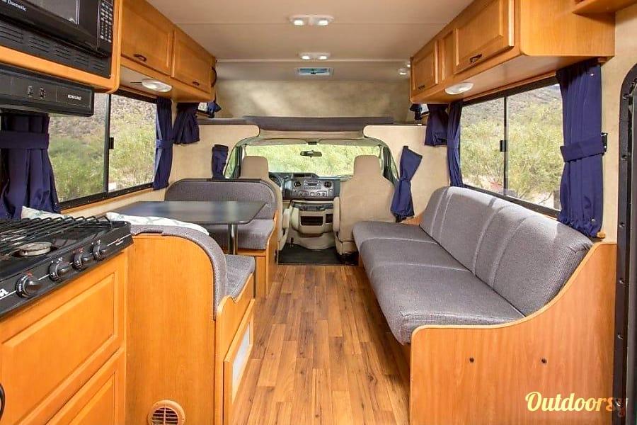 2012 Thor Motor Coach Four Winds Majestic Newberg, Oregon