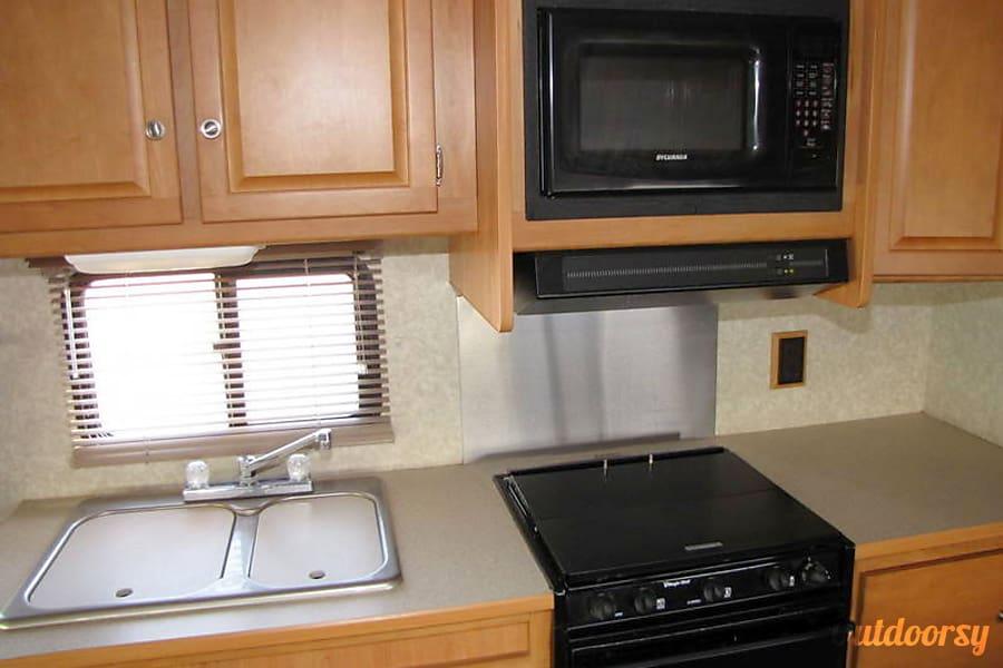 Winnebago Access 31C Placerville, CA