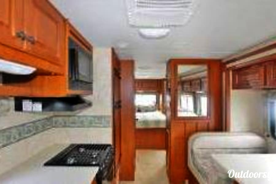 32' Freedom Elite  with slide out Waterford Township, MI