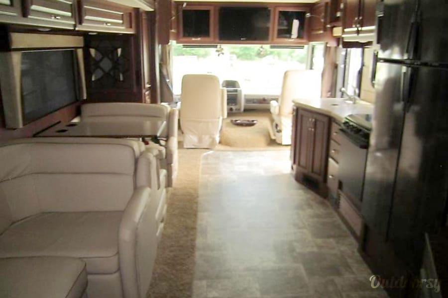 2012 Fleetwood Bounder 35ft Luxury Motorhome San Diego, CA