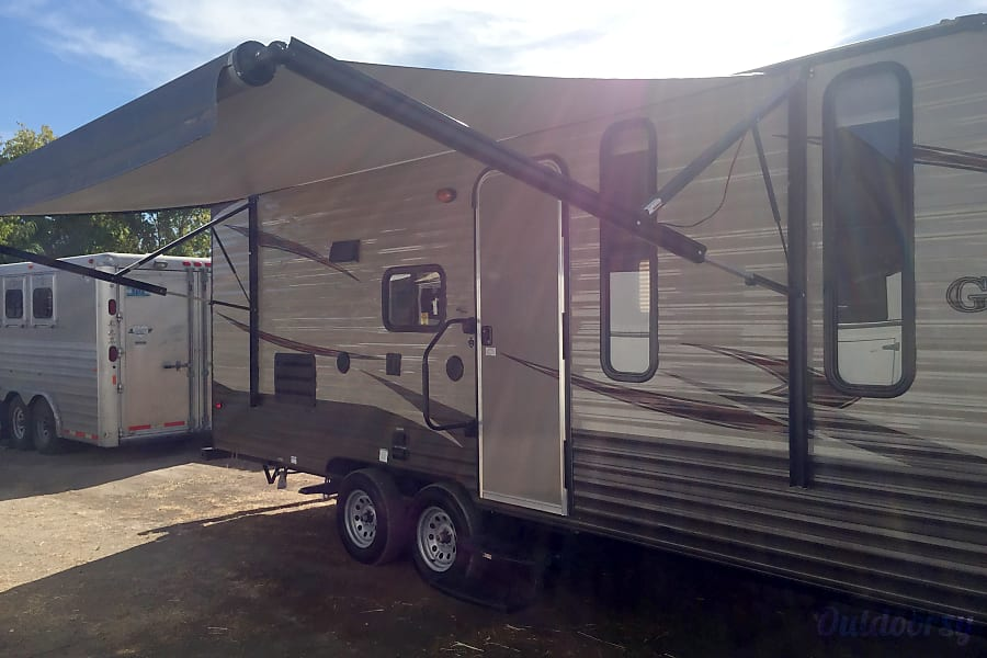 2016 Forest River Cherokee Grey Wolf 23BD Sacramento, CA PASSENGER'S SIDE VIEW WITH AWNING OPENED