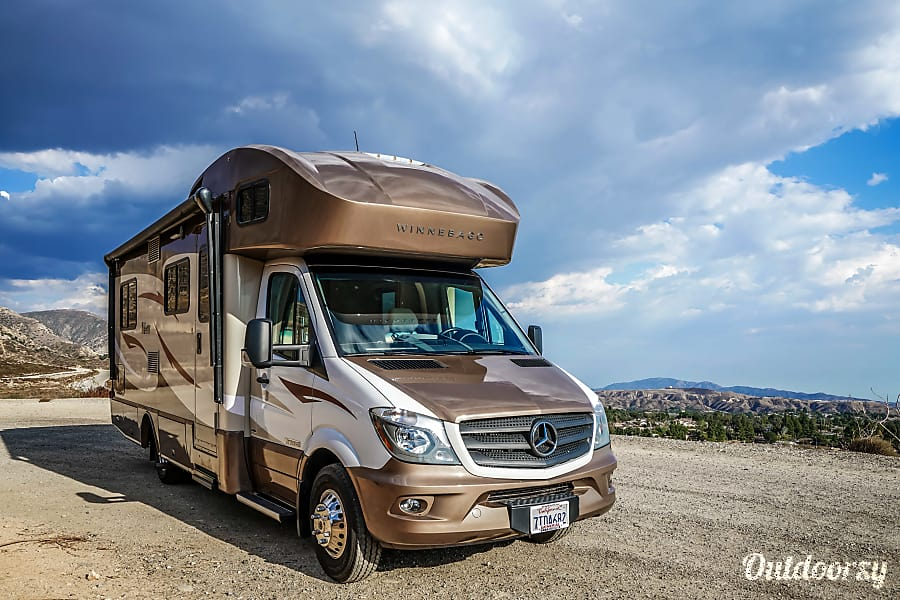 Mercedes Winnebago Model V (red - brown) San Diego, CA