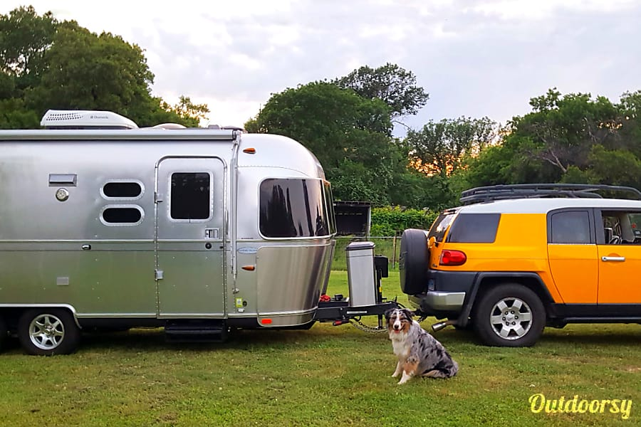 23 ' Airstream Flying Cloud-2014 Irving, TX Slinky, Tonka & Blue...ready to hit the road again.