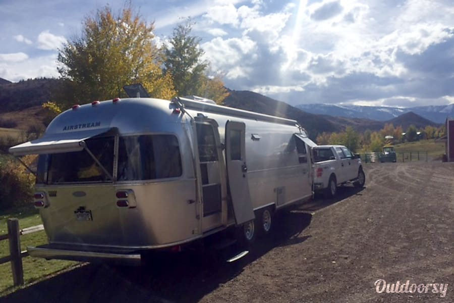 exterior 2014 Airstream International Sterling 28ft Sausalito, CA
