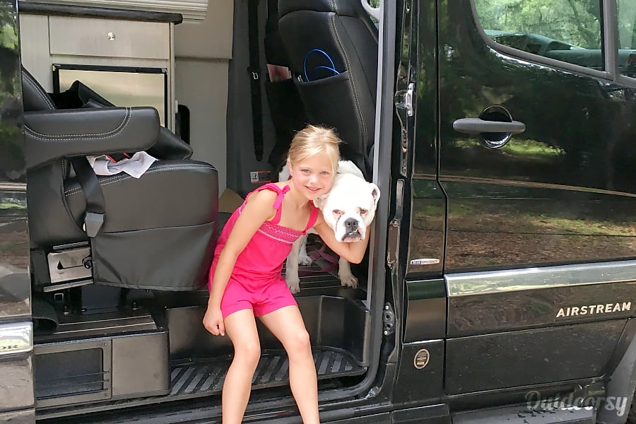 WINTERIZED* Luxury Mercedes Airstream - can deliver and pickup in Los Angeles area with advance notice. Los Angeles, CA Everyone wants to say hello when you have the coolest RV in the world and the cutest bulldog. )