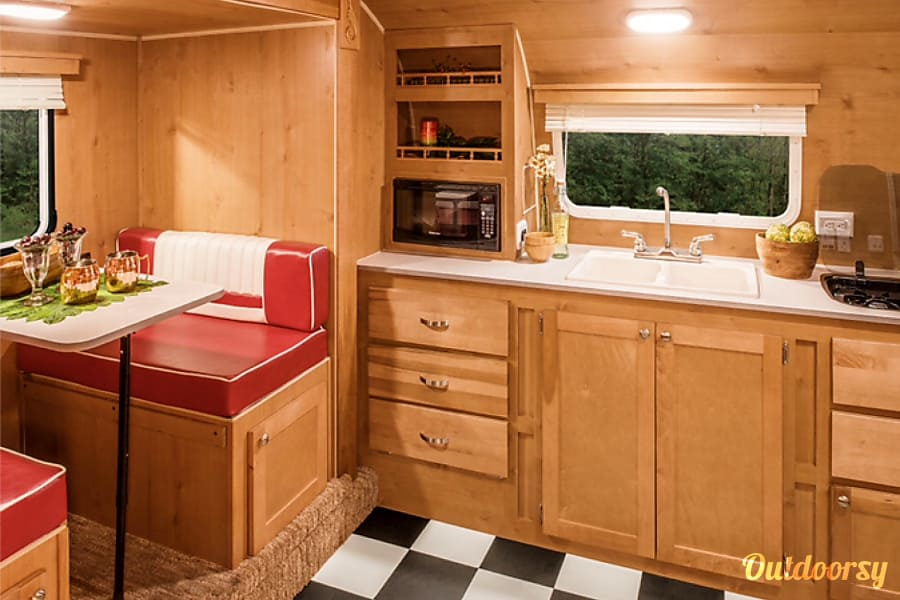 interior Retro Glamping in Style! Tallassee, TN