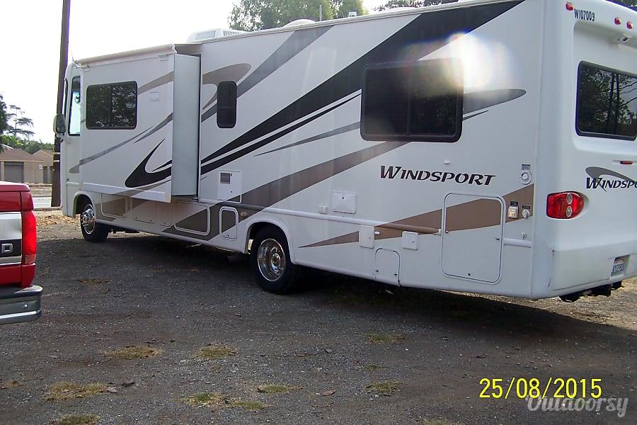2007 Four Winds Motor Coach Windsport Brea, California