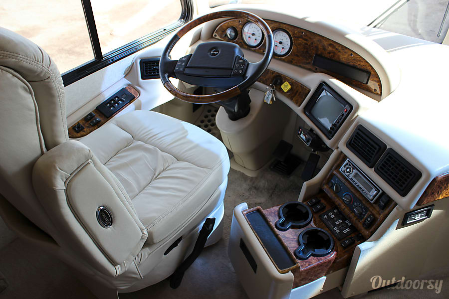 Western Alpine Coach Diesel w/ 2 slides - CO Colorado Springs, CO