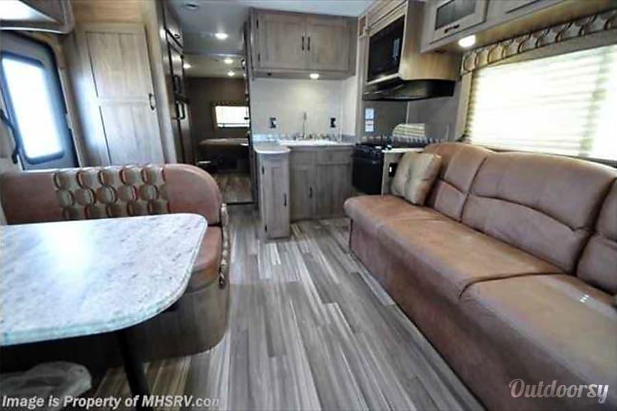 2017 Coachmen Freelander Bunk C34 P Motor Home Class C
