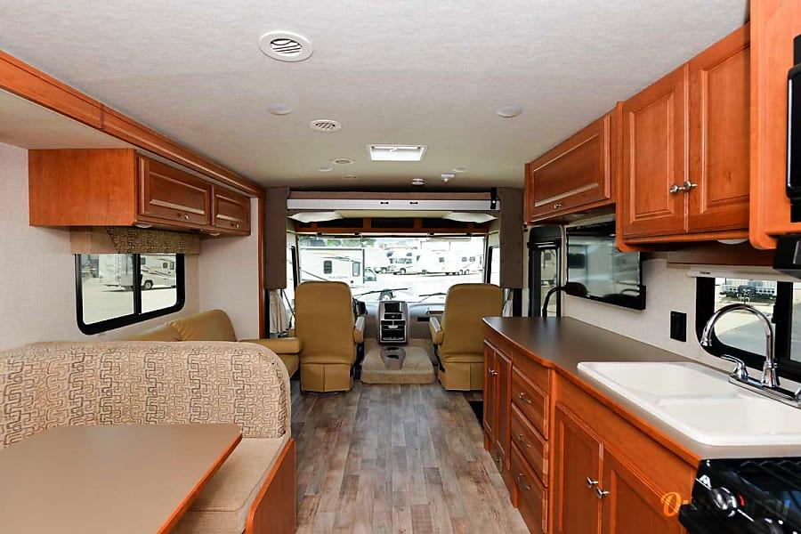 interior 2017 Winnebago Vista 31KE Aurora, CO