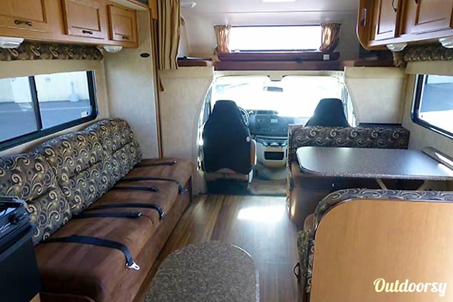 interior 30' Coachmen Freelander w/Slide-Out (47) San Marcos, CA