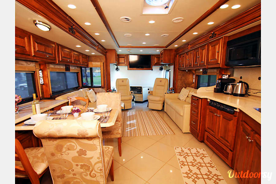 2011 Tiffin Phaeton 40QKH with Bunk beds Mission Viejo, CA