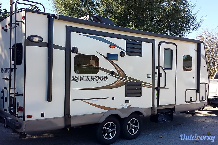 2016 Forest River Rockwood Ultra Lite Paso Robles, CA