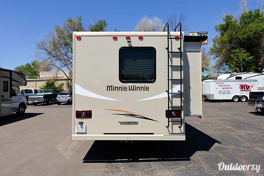 exterior 2017 Winnebago Minnie Winnie 31H Bunk Seffner, FL