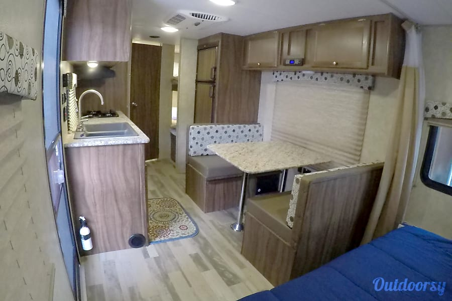 """2017 Coachman Clipper (21') - nicknamed """"Amarillo"""" Houston, TX At night the table can be removed and the area made into a full size bed."""
