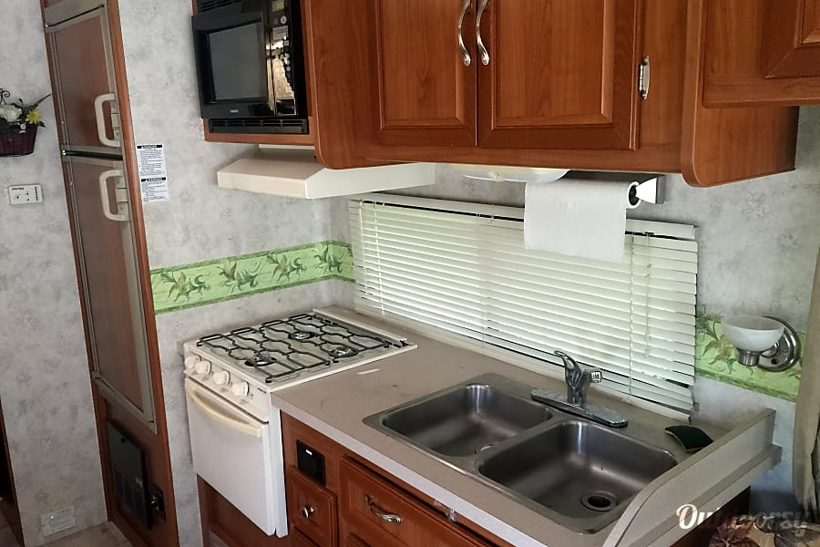 Walmart 1800 Call In Number >> 2003 Coachmen Mirada Motor Home Class A Rental in Villa ...