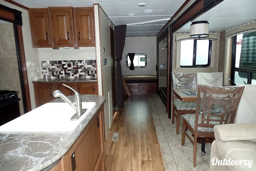 2016 Jayco Jay Flight 32 foot travel trailer new and great for families Longwood, FL