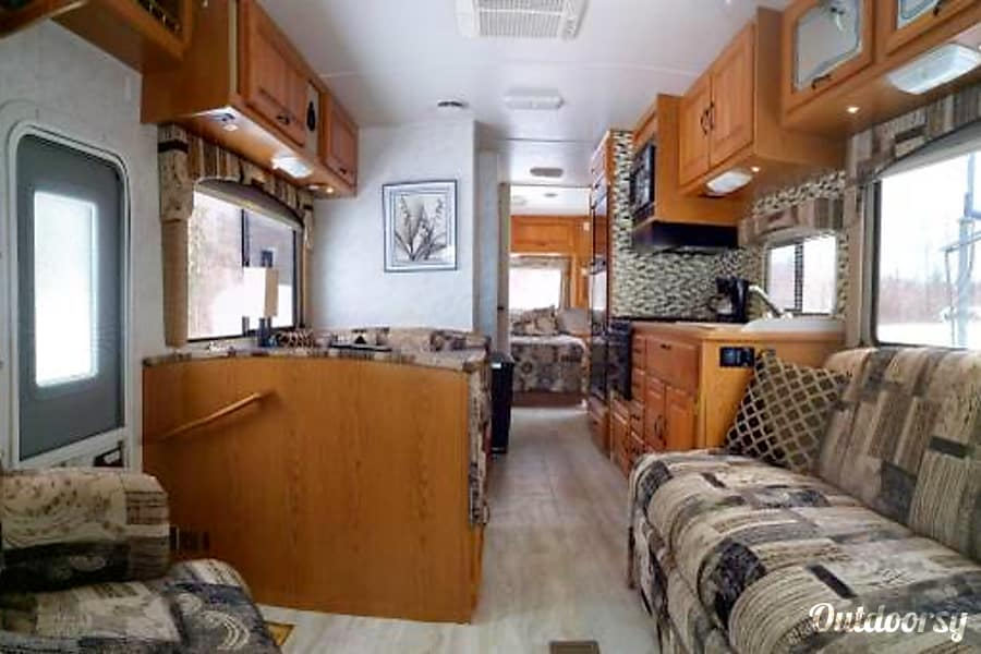 interior 2001 UPDATED Thor Four Winds Majestic - 31' - The Complete Package! Bandera, TX