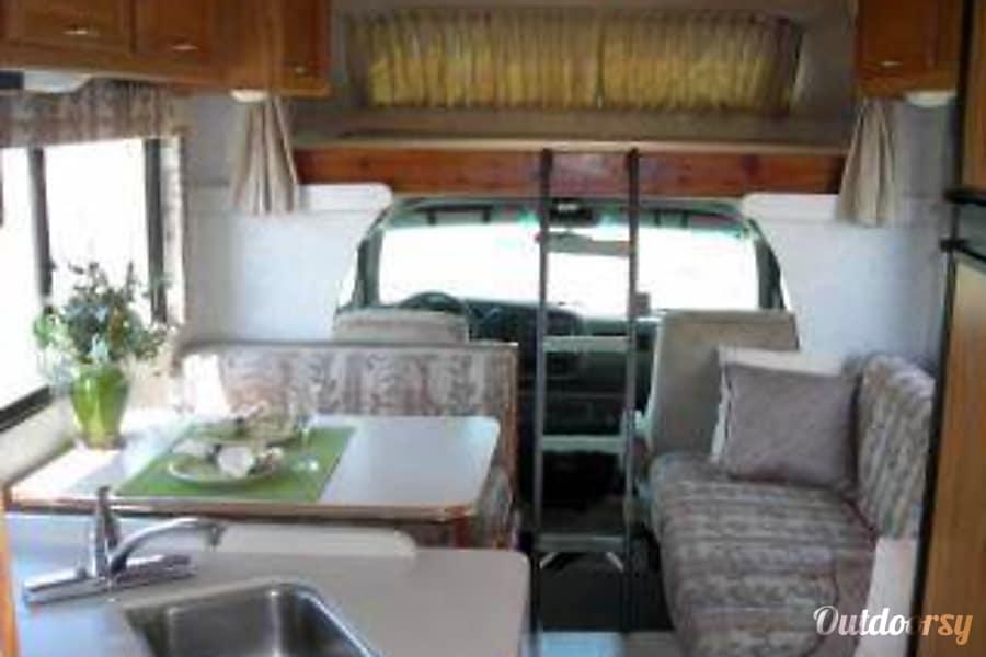 2000 Winnebago Itasca Motor Home Class C Rental In