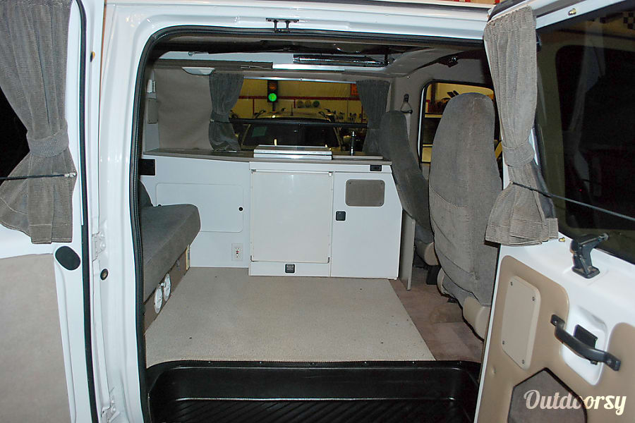 interior 2000 Ford E-150 GTRV Westy Tigard, OR