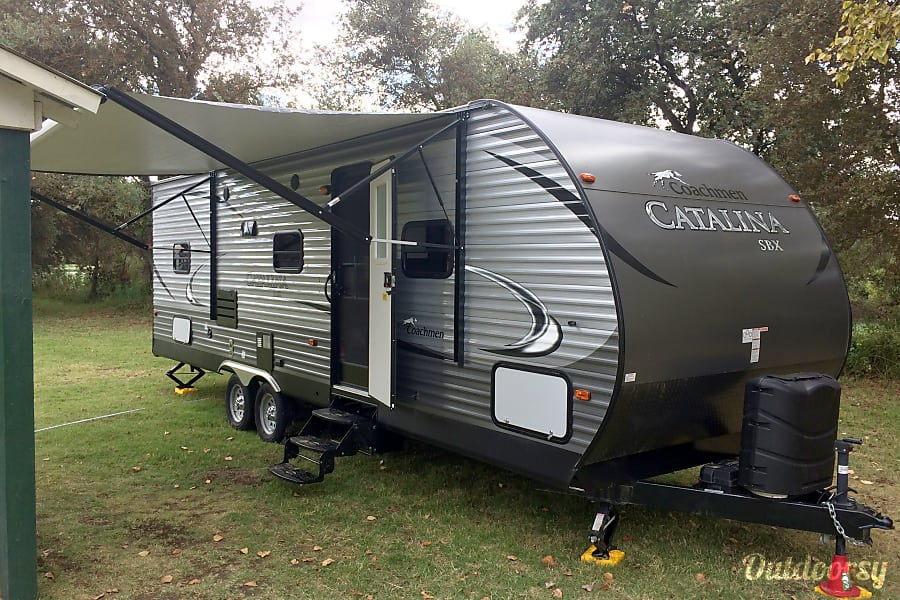2016 Coachmen Catalina SBX Livermore, CA Awning gives great shade