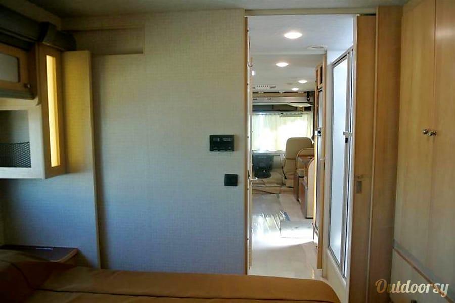 interior 2016 Winnebago Brave 31C Phoenix, AZ