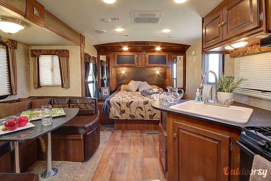 interior Keystone Premier 19FBPR Hockley, TX