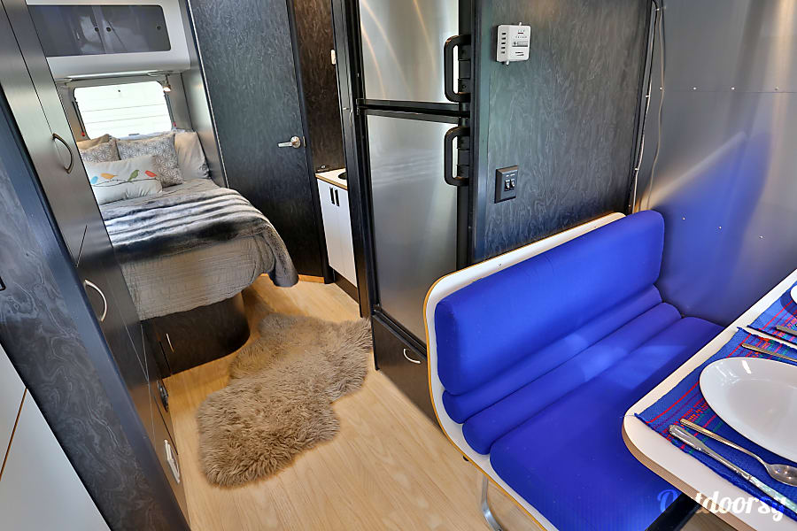 Silver Tiny House - Airstream International Carbondale, CO