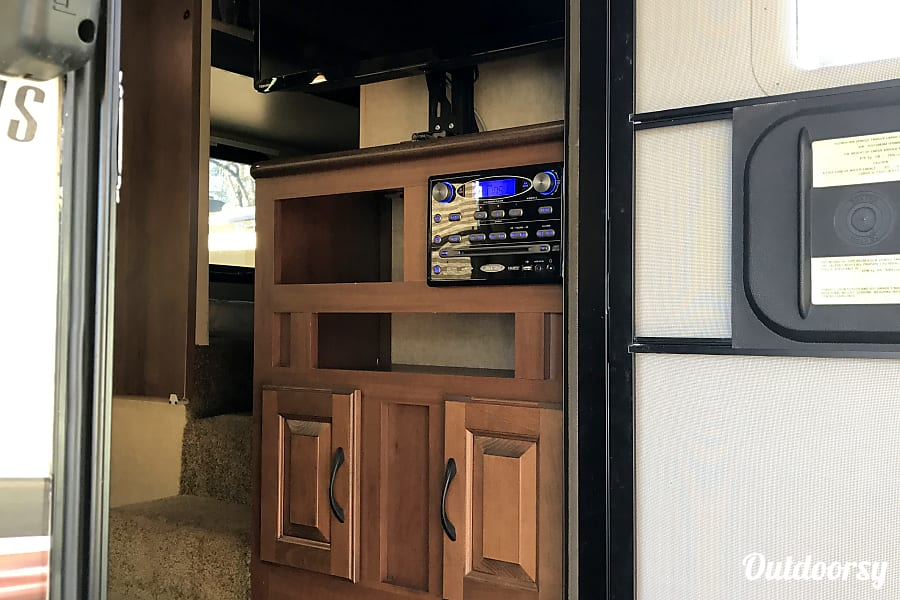 2015 Jayco Eagle Riverside, CA As you enter the coach there is a nice TV and entertainment center.