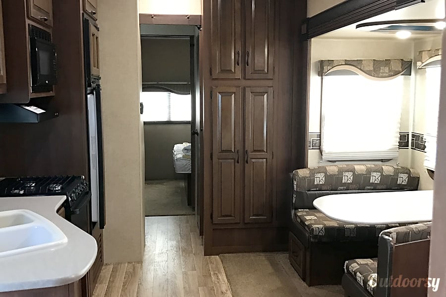 2015 Jayco Eagle Riverside, CA The dinning also turns into a bed with ease. Pantry has a lot of storage for what ever you want to bring!!!