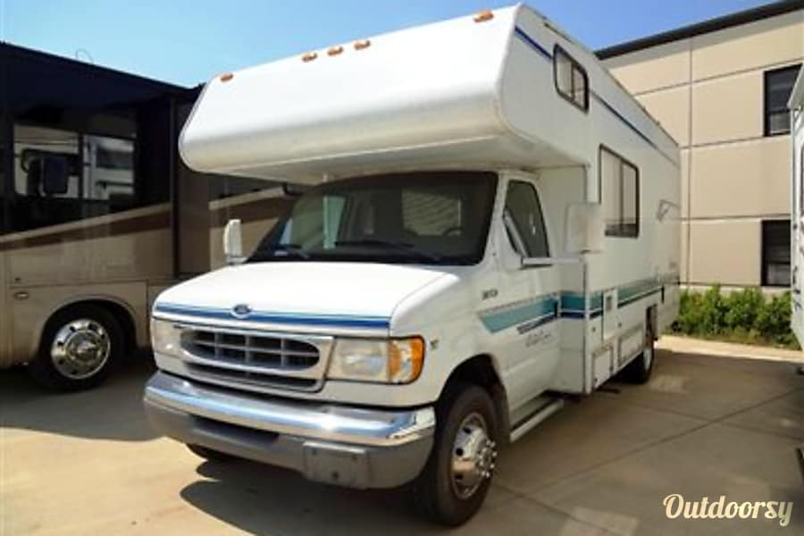 Beautiful Coachmen Catalina Motorhome Class C Family Vacation Home! Vancouver, WA