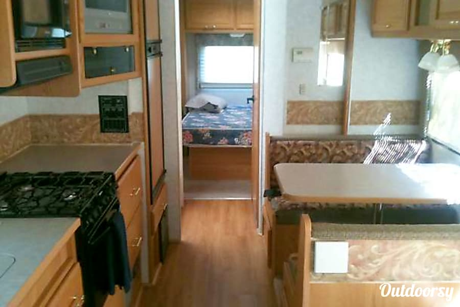 """Life is Good"" in our 2006 Winnebago Minnie Winnie! Alcoa, TN"