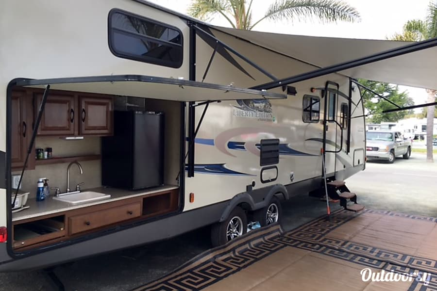 29′ Coachmen Liberty Pismo Beach, CA