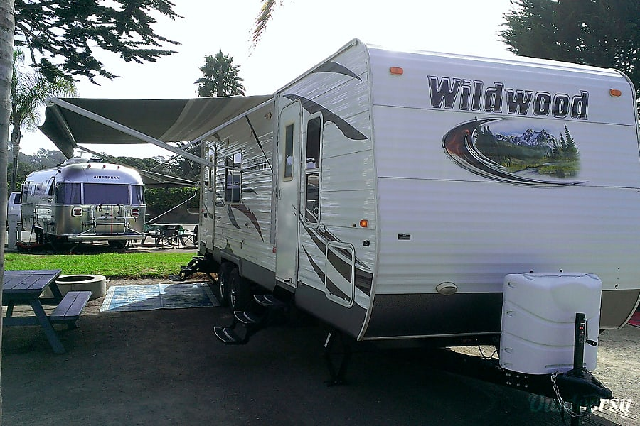 28′ Wildwood ~ Collins Pismo Beach, CA