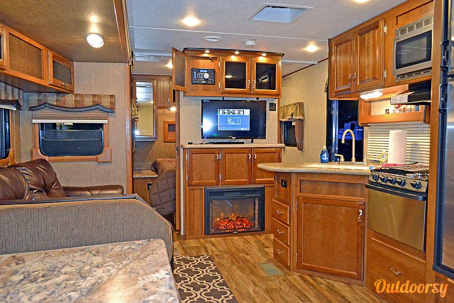 36′ New LaCrosse Luxury Lite Bunkhouse Pismo Beach, CA