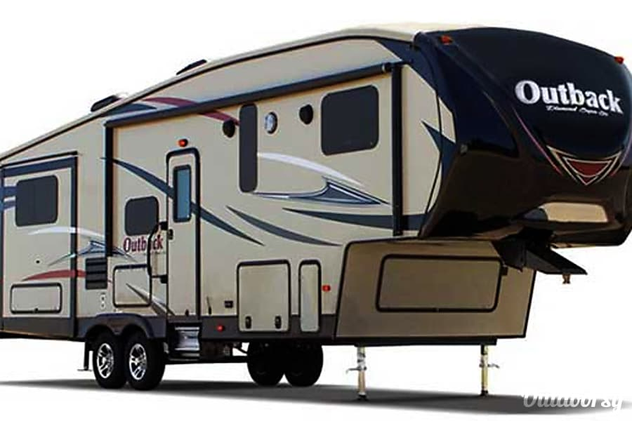 exterior 33' Outback Fifth Wheel With Bunk Beds & 3 Slide-Outs (T20) San Marcos, CA